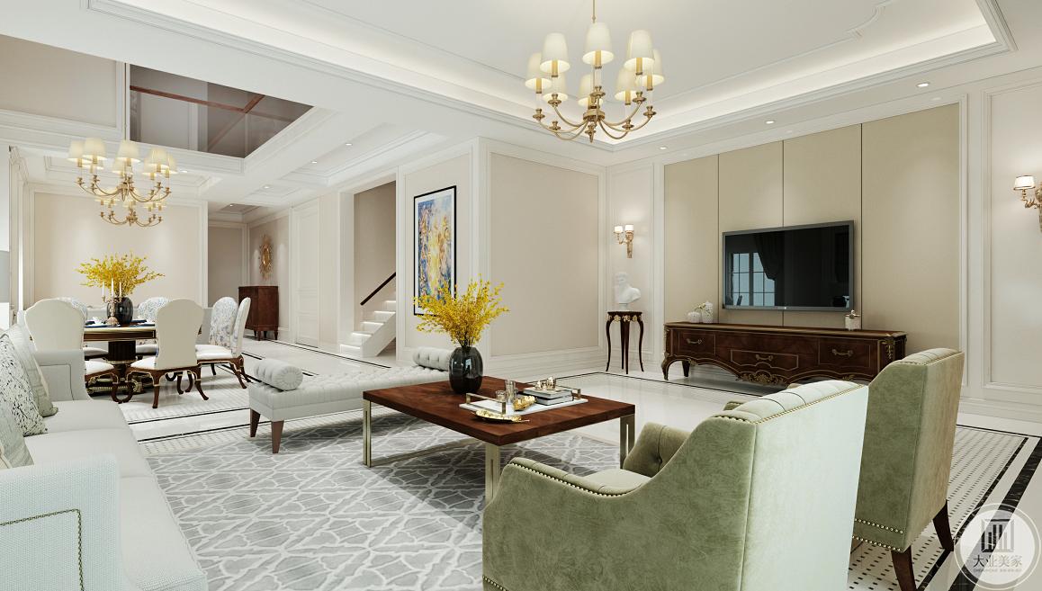客厅整体色调是白色,老干部风格的淡蓝色布艺沙发,加上实木茶几、电视柜,形成了空间上的层次感。铁艺吊灯和台灯是美式不可缺少的元素,看起来上档次。