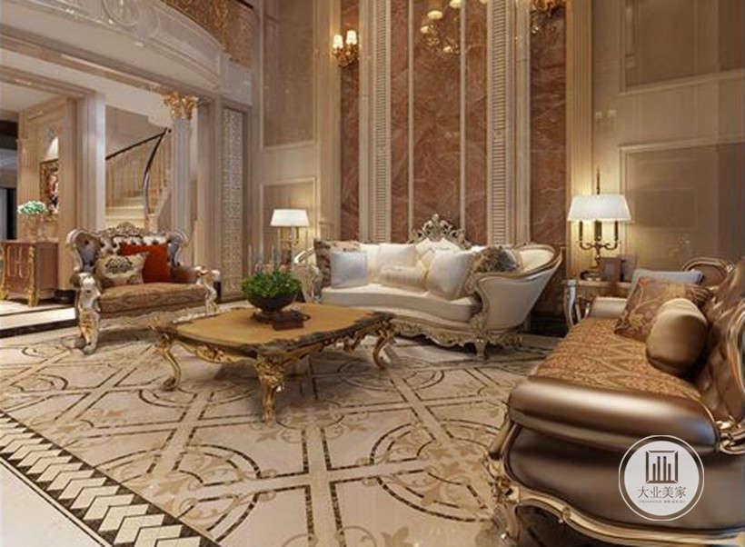 客厅效果图:整个客厅的墙面大量运用了石材,与柱头、栏杆、家具等处的金色相结合,淋漓尽致的体现了一贯的欧式氛围。壁灯静静泛着影影绰绰的灯光,朦胧、浪漫之感油然而生。